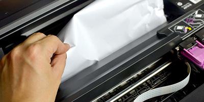 Zaseknutý papír v tiskárně